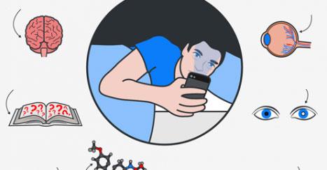 Ecco cosa succede al tuo cervello se usi lo smartphone prima di andare a dormire