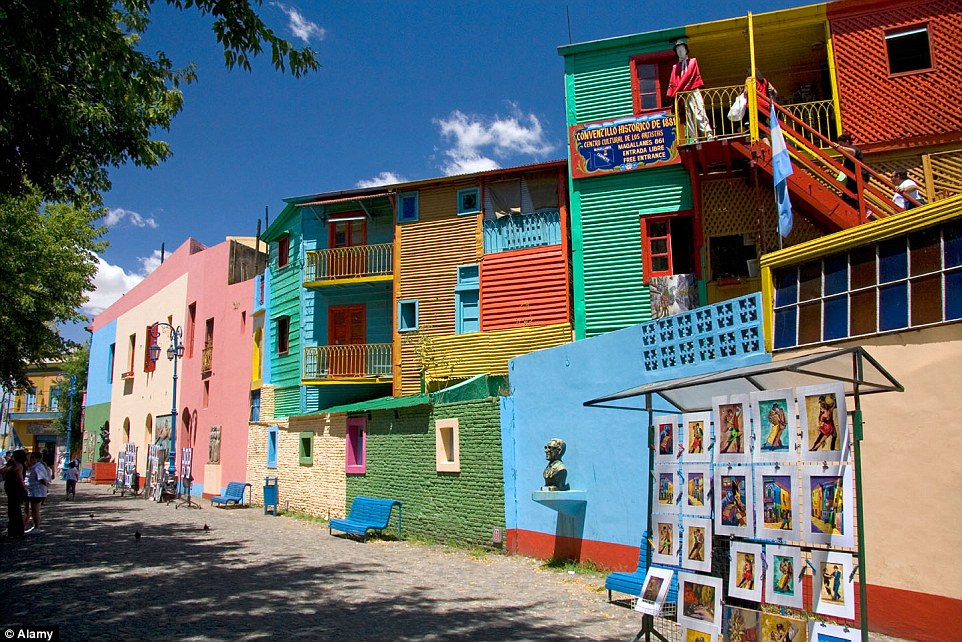 02E3D65800000578-3262256-Colourful_buildings_along_the_Caminito_in_the_La_Boca_barrio_of_-a-129_1444151781379