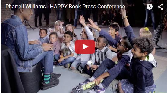 Pharrel Williams intervistato da bambini