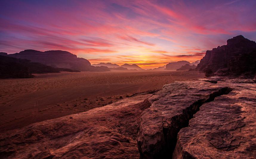 surreal-wadi-2_3458086k
