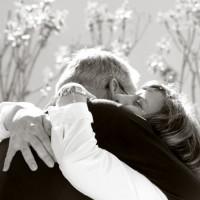 Perché non dobbiamo dimenticare gli abbracci