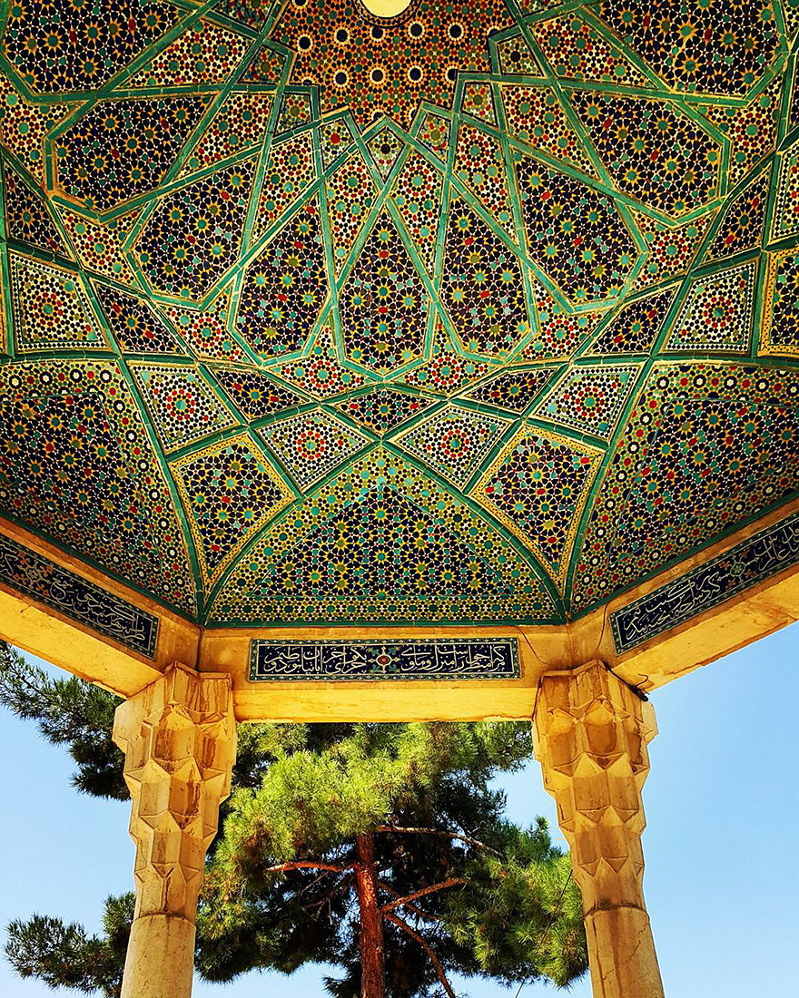 iran-mosque-ceilings-m1rasoulifard-57__880 (1)