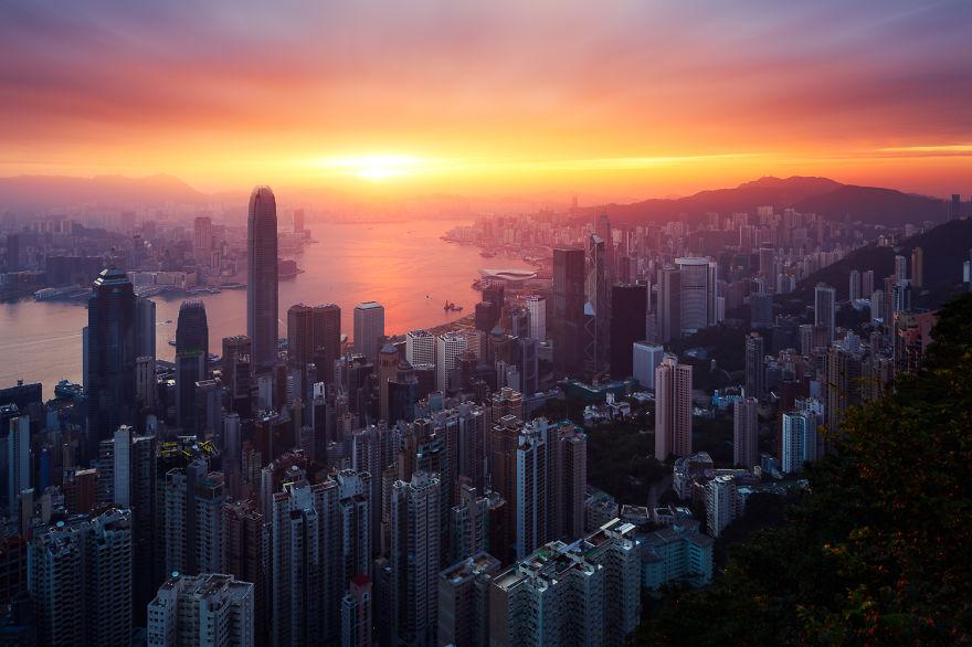 Hong_Kong_G9A6910-57066d656a43a__880