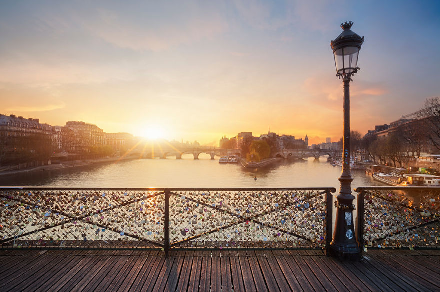 Traveling-the-world-to-catch-the-sun-5707668c320d2__880