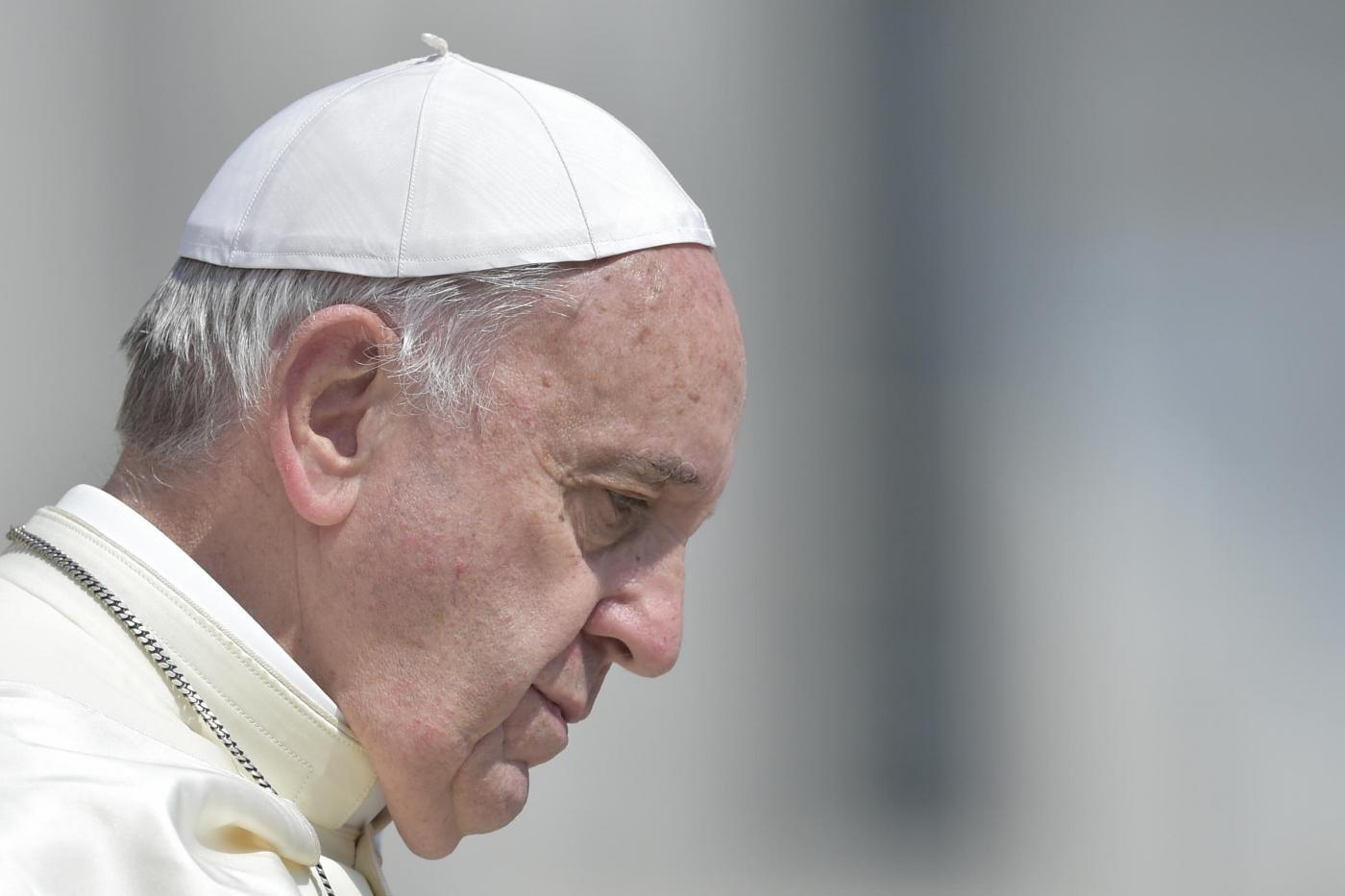 """Terrorismo, Papa Francesco: """"Il mondo è in guerra, perché ha perso la pace!"""