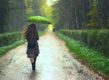 Perché ci piace l'odore della terra bagnata? La scienza ce lo spiega