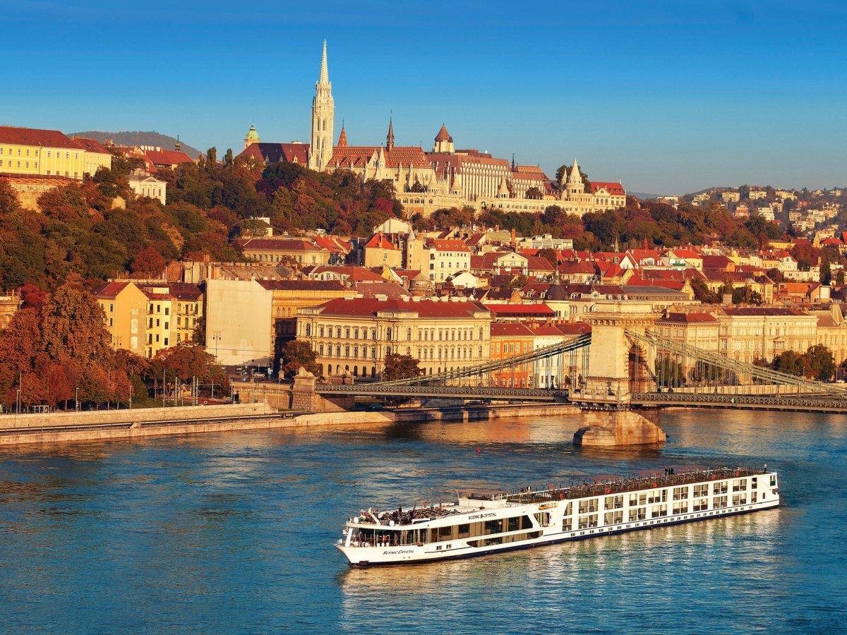 Viaggio a Budapest, la Parigi dell'Est: 2 minuti per innamorarsi del gioiello del Danubio