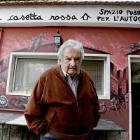 """""""La vita è un miracolo, non sprecatela nel consumismo"""". Pepe Mujica"""