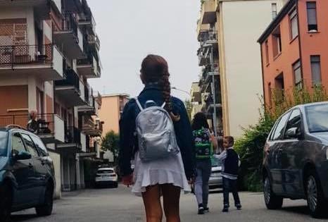 bambina scuola